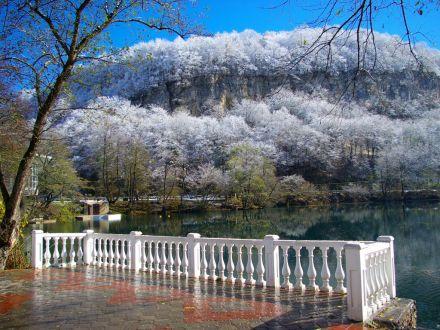 Фото Голубое озеро зимой