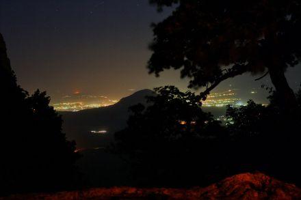 Фото Горит ночная жизнь