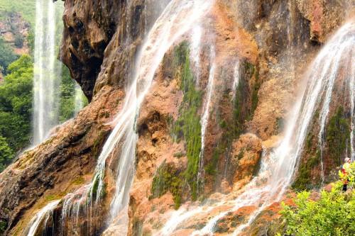 Фото Водопад Гедмишх. Профиль Ивана Грозного
